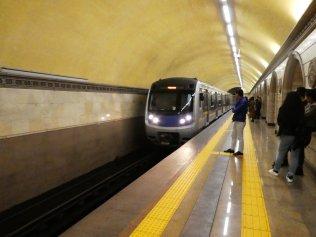 die modernen Züge sind von Hyunday
