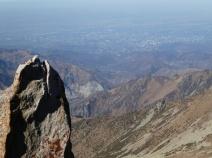 ganz tief unten liegt Almaty .jpg