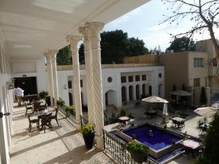 Innenhof des Keryas-Hotels