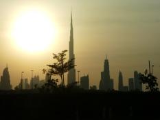 Nächtliche Skyline mit Burj Kalifa