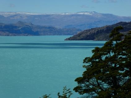 Blick morgens vom Zelt auf den Lago O'Higgins