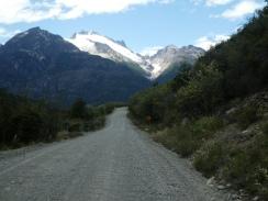 Schotterstraße Richtung Cochrane