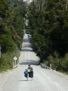 Schlechte Straße und steiler Anstieg--> Schieben