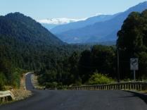 so macht Radeln Spaß -Blick auf den Vulkan Michinmahuida