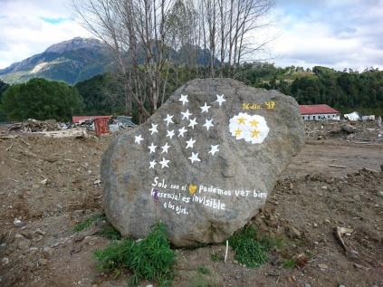 Zur Erinnerung an die Verstorbenen der Schlammlawine in Villa Santa Lucia