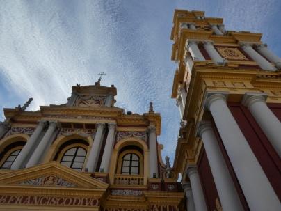 mit dem höchsten Kirchturm Südamerikas