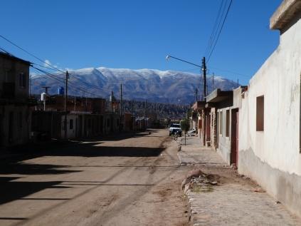Schneegipfel über Humahuaca