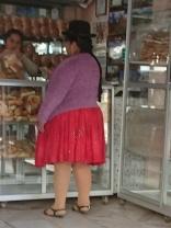 Eine Cholita, d.h. eine typisch angezogene Bolivianerin