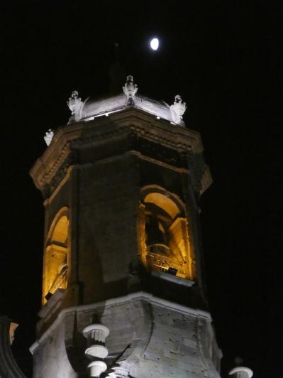 Glockenturm der Cathedrale, wunderschön beleuchtet