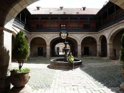 Im Innenhof der Casa de la Moneda