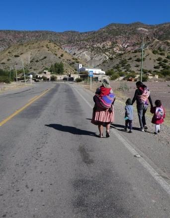 der Kleidungssil in Bolivien ist anders als bisher