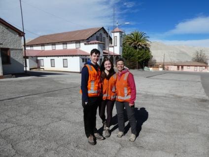 vor der Kirche im verlassenen Chuqui