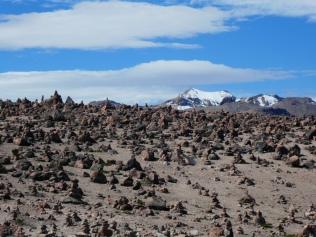 Steinmännchen Meer am Pata-Pampa-Pass