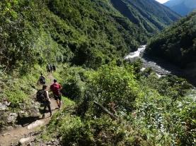 Abstieg in den Yunga