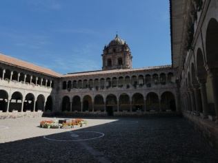 Innenhof des Convento Santo Domingo