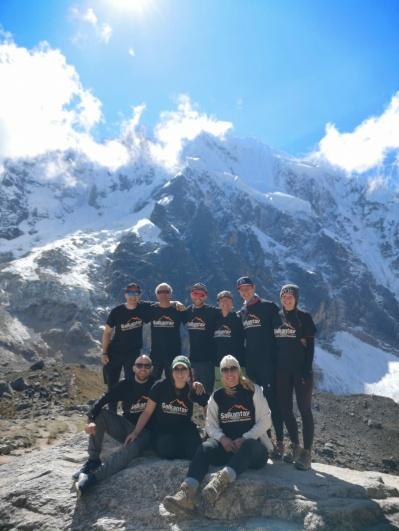 Die ganze Gruppe am Salkantay Pass