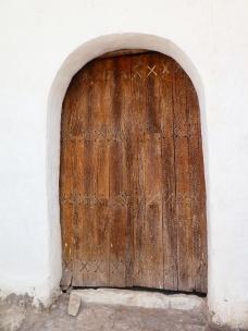 Türe aus Kaktusholz an der Kirche von Chiuchiu