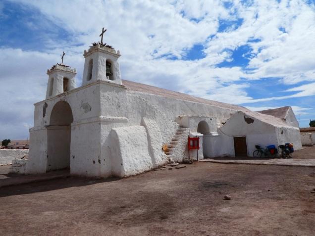 die Kirche von Chiuchiu von 1611 ist die älteste in Chile
