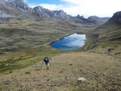 steiler Aufstieg von der Laguna Carhuacocha