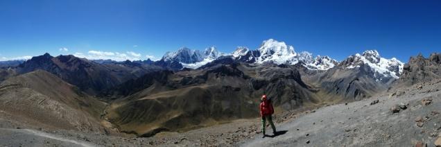 Panoramablick auf die Cordillera Huayhuash